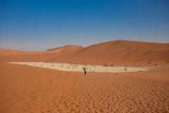 Paseando por el desierto.